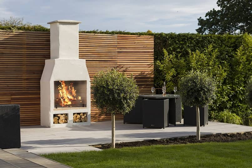 chimenea de piedra para jardin o terraza