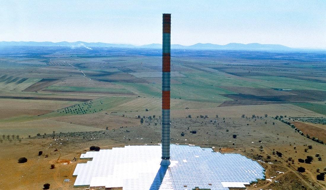 Chimenea solar en Manzanares